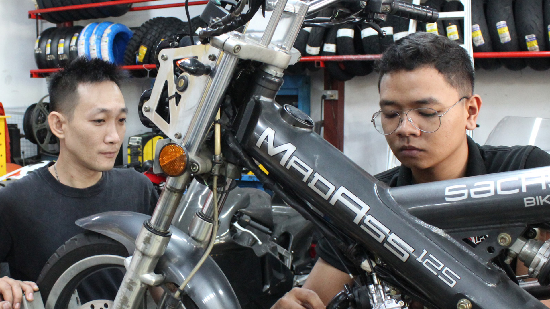 Banner Nitec in Motorcycle Technology Trn